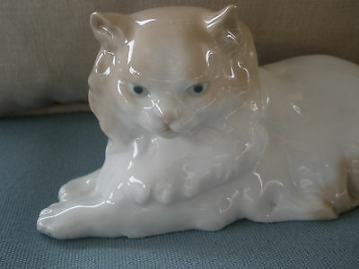 Nao By Lladro Porcelain Cat