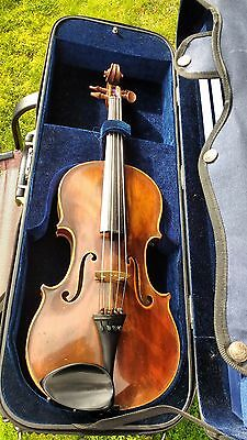 Beautiful, German, 15 1/2 inch Viola with bow, shoulder rest and Gewa case.