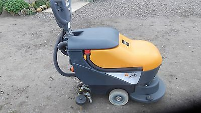 taski swingo 450b floor washer scubber marbel tile buffer
