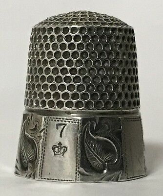 Henry Muhr & Sons - 10 Panel Silver Thimble - Size 7 - c1886-1897
