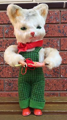 VINTAGE 1970's GERMAN WIND-UP KNITTING CAT - WORKING
