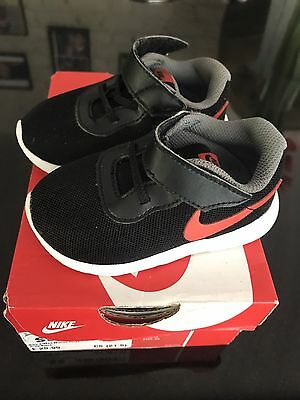Nike A/Max Motion Grey/black Baby Boys First Trainers Uk 4.5 Infant 11 Cm