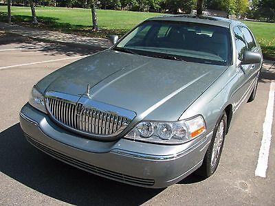 2006 Lincoln Town Car Designer Seriew 2006 Lincoln Town Car Designer Series * Very Good Condition * Clear Title  95843