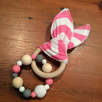 Natural Wood & Silicone Beads,Crinkle Sound Bunny Ears Teething Ring Toy, Pink