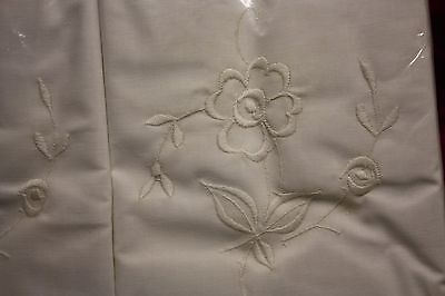 Lovely Pair of Vintage Unused White Cotton Pillowcases Embroidered Irish