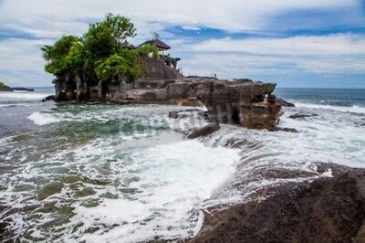 "Bild auf Glasschneidebrett klein: ""Tanah Lot Temple on Sea in Bali Island In..."""
