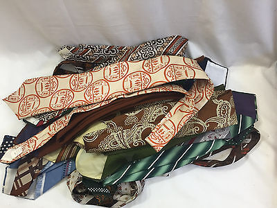 Lot 22 Vintage 1960s/70s WIDE MENS NECK TIES polyester COSTUME necktie accessory