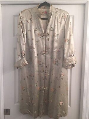 Lovely VTG 70s PEONY Asian Shanghai Silver Quilted Dress Robe Long JACKET 40