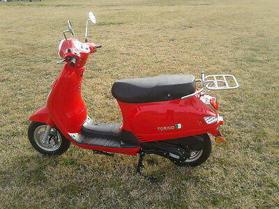 Torino Famosa 125cc Scooter MY17 Red (LAMS) Ex Demonstrator