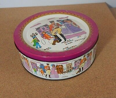 Vintage Mackintosh Quality Street Tin 1970's version 18cm diameter.