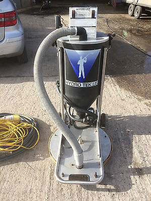 Flat surface cleaner with vaccum