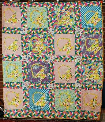 CHEERY Vintage Baskets Antique Quilt ~WONDERFUL MID-CENTURY NOVELTY FABRICS!