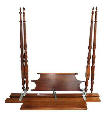 Four-post full size mahogany bedstead, 20th C., flame and urn finial,... Lot 232