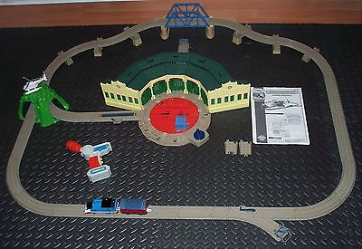 Thomas Train TRACKMASTER  - THOMAS AT TIDMOUTH SHEDS 100% Complete!