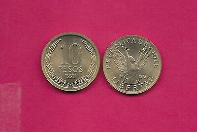 Chile Rep 10 Pesos 1990 Unc Wide Rim,winged Figure With Upraised Arms Broken Cha