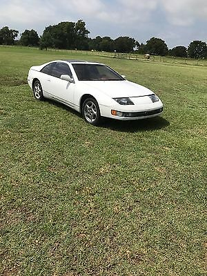 1990 Nissan 300ZX  1990 Nissan 300zx 1 year only red interior.