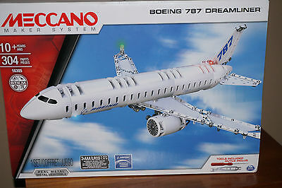 Meccano Boeing 787 Dreamliner Model: Model Is 35Cm Long When Made. Bnib
