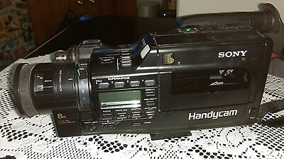 SONY VIDEO 8 HANDYCAM + BAG + BATTERY + CHARGER includes free tripod