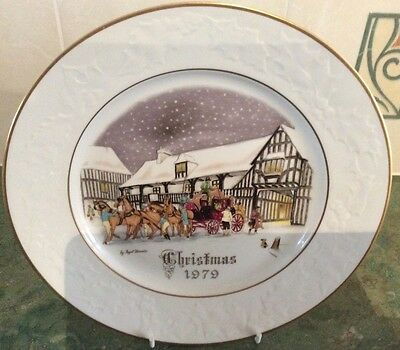 "Royal Worcester Christmas Plate ""1979"""