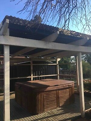 Signature SPA with matching cover Excellent Condition