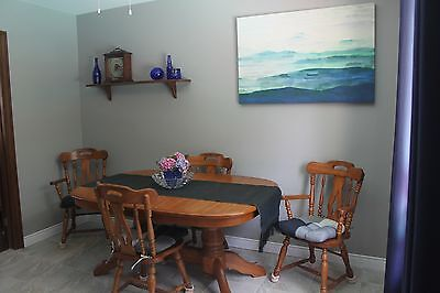 Oak Dining Table/Chairs FOR SALE !!