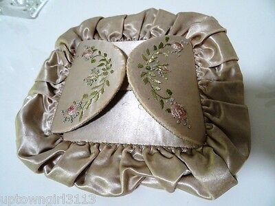VICTORIAN satin silk HANKIES HOLDER embroidered roses BEAUTIFUL girlie NAPKIN