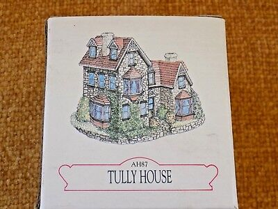 Liberty Falls Collection Tully House Figurine