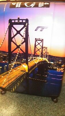 It Luggage *Limited Edition* San Francisco Bridge Suitcase With Luggage Cover
