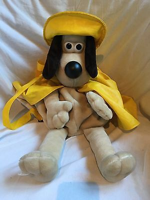 ~ WALLACE & GROMIT ~ 20 inch GROMIT in SOU'WESTER PLUSH / BACKPACK ~ VGC ~
