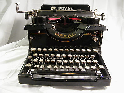 Working 1914 Black Royal No 10 Portable Typewriter prior to Dual Glass Pannels