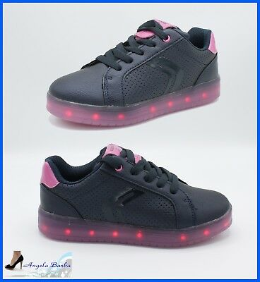 Geox Junior J845PB Scarpe con luci led colorate ricaricabili cavo usb Kommodor