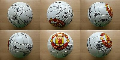 2001-02 Man Utd Official Football Squad Signed inc Beckham Giggs Scholes (11323)