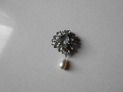 Old Pin / Ancienne Broche