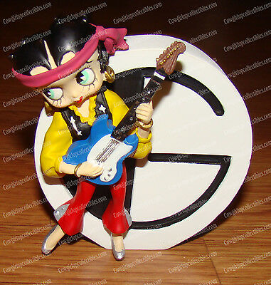 Betty Boop Alphabet, Letter G (by Westland, 6747) Guitar Playing Betty, 2005