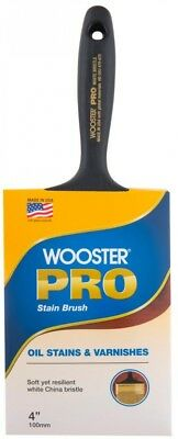 Wooster Pro 4 in. Flat White Bristle Stain Brush