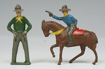 CRESCENT VINTAGE LEAD 40mm MOUNTED COWBOY FIRING PISTOL & DIECAST HANDS on HIPS