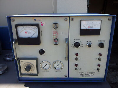 Chemiluminescent NO-NOx Gas Analyzer, Thermo Electron Corp. Model 10A