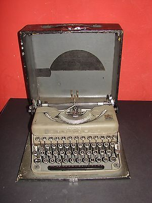 "Imperial ""The Good Companion"" Model-T Portable Typewriter in Case"