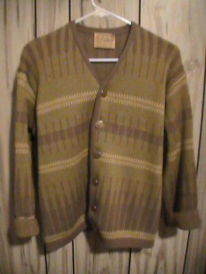 Rare Vintage 1960s 1970s green Sweater by Caldwell - canada  heavy quality! sz M