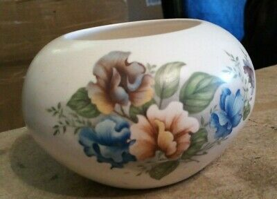 """Off White Purbeck Gifts Poole Vase 3"""" High Hole 2.5"""" Girth 4"""""""