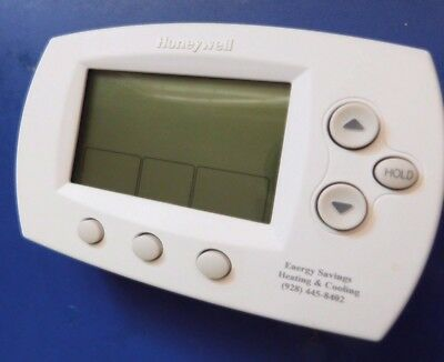 Honeywell TH6220D1028 FocusPRO Programmable Thermostat, Used