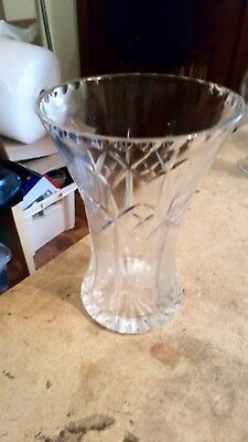 Beautiful Design Cut Glass Crystal Vase 6 Inches High 4 Inches Diameter