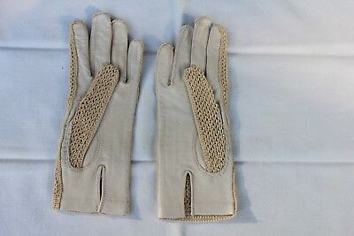 VINTAGE Almond Ivory Crocheted And Leather Gloves - New