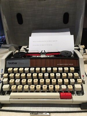 Vintage Brother DeLuxe 1510 Portable Typewriter with Carry Case Great Condition