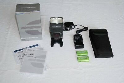 Olympus FL-36R  Digital Flash mint with case and stand, includes 2 batteries