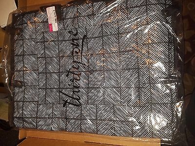 Thirtyone Thirty-One 31 Gifts Well Suited Garment Bag Brand NEw Chevron Squares