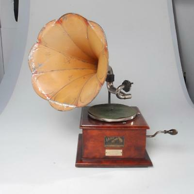 Antique External Horn Victor Talking Machine Phonograph Gifted To Cyndi Lauper