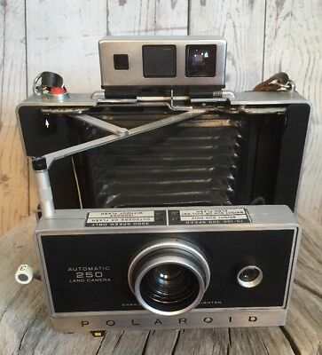 Vintage Polaroid Land Model 250 Camera With Zeiss Viewfinder 1960's