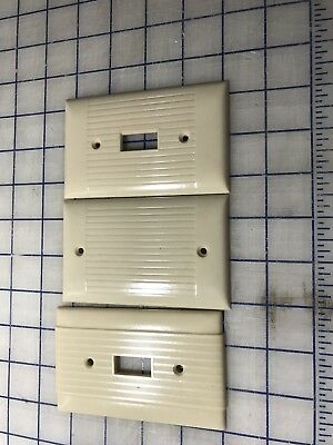 VTG n Single toggle SWITCH Wall Cover Plate IVORY colored RIBBED Bakelite SIERRA