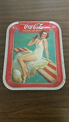 """1939 Coca-Cola """"SWIMSUIT GIRL"""" vintage serving tray in good condition."""